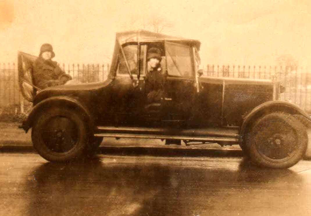 1927 John Haydons Lea Francis car.