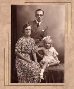 1936 George, Winifred & Christine Whitehead.