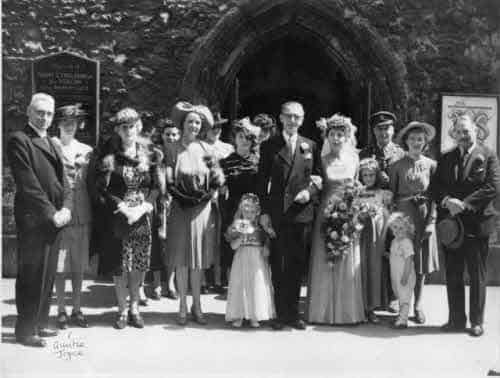 Real life story 1946, June George and Moya's wedding.