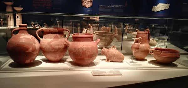 Philistine-pottery at the Ashdod Philistine Culture Museum.
