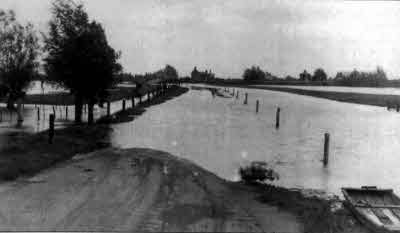 Earith flooding: the Causeway road flooded.