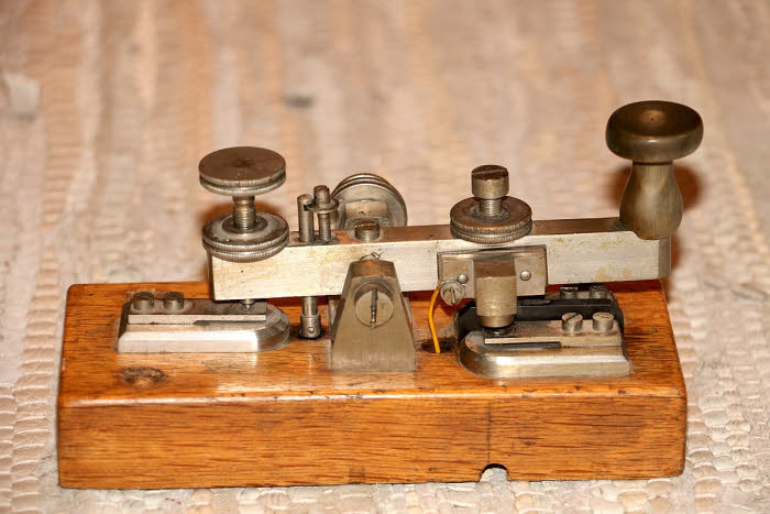 Morse key.